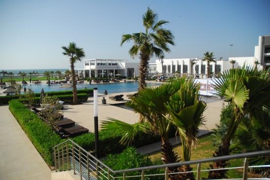 Sofitel Agadir Thalassa Sea & Spa: piscine vue du restaurant