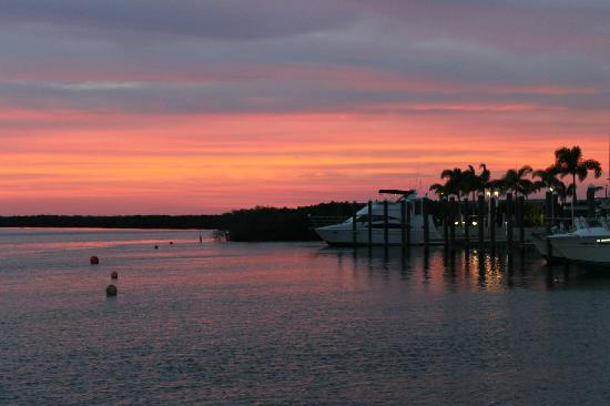 Daytona Beach Regency: Beautiful sunset at Inlet Harbor Restaurant