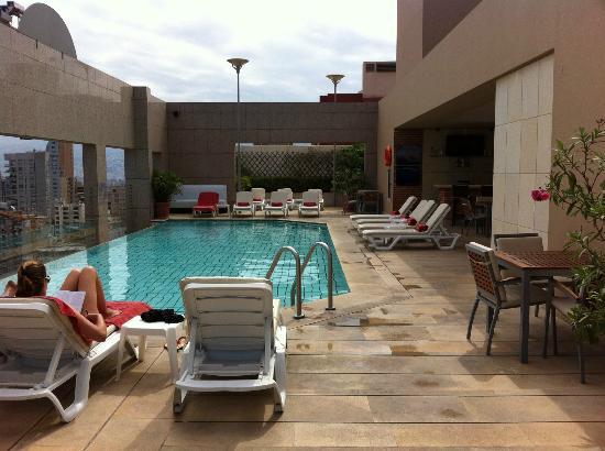 Gefinor Rotana Hotel: it's quiet, nice service, just nice to relax.