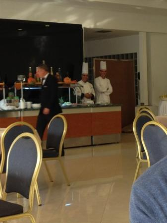 Le Palace d'Anfa : rude service and out of date food