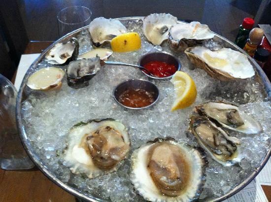 Island Creek Oyster Bar: oyster lover will feel like a kid in a candy store!