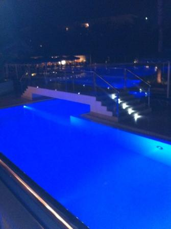 Mitsis Faliraki Beach Hotel: the pool at night