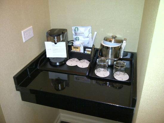 The Westin Harbour Castle: Coffee/tea service