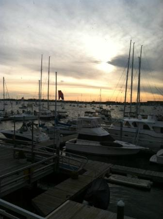 Newport Harbor Hotel & Marina: View from our room of the sunset!