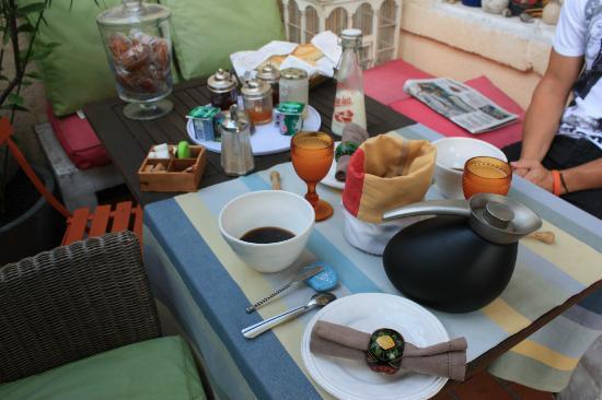 Bn'b Romain & Pascal: Petit dejeuner