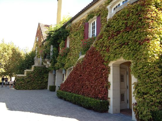 Jordan Vineyard & Winery: exterior