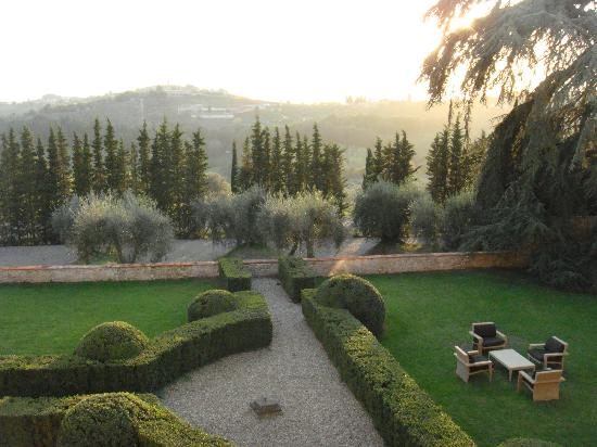 Castello del Nero Hotel & Spa: The real Toscano right from our room..