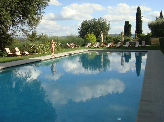 Castello del Nero Hotel & Spa: Beautiful (heated) pool..