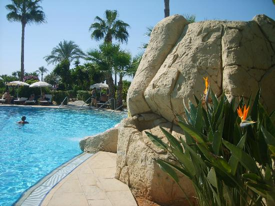 Adams Beach Hotel: Pool
