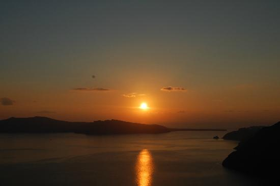 Aenaon Villas: Sunset over the Caldera