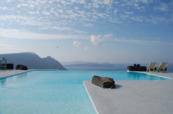 Aenaon Villas: Infinity Pool