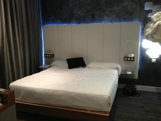 Hotel Petit Palace Boqueria Garden: Schlafzimmer