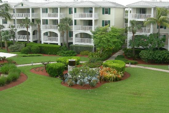Hyatt Windward Pointe: Courtyard From Balcony