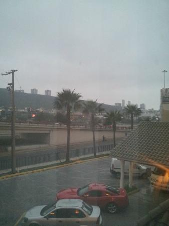 Vista De Nuestra Habitaci 243 N A La Ciudad Picture Of Hotel Antaris Galerias Monterrey