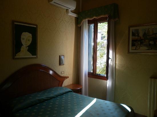Our Room Picture Of Hotel Villa Rosa Venice Tripadvisor