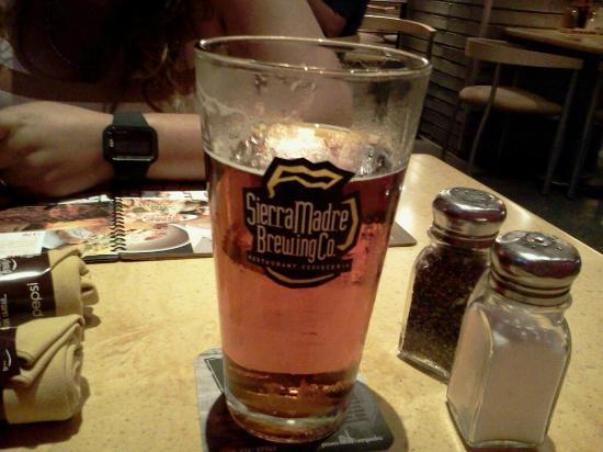 Sierra Madre Brewing Co.: Deliciosa cerveza!!