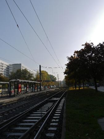 Ibis Budget Berlin Alexanderplatz: Mollstrasse in the sun