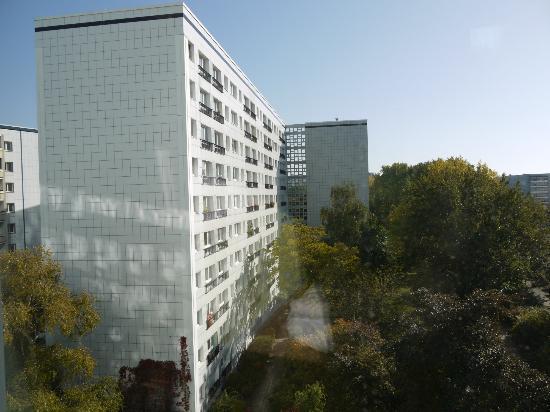 Ibis Budget Berlin Alexanderplatz: Sunny view