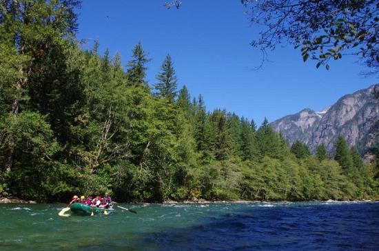 Adventure Cascades: Skagit float trip