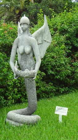 The National Art Gallery of The Bahamas: Serpent Woman Statue outside the NAGB