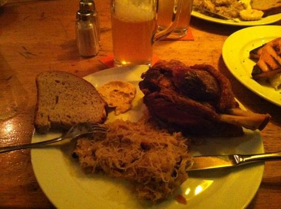 Brauhaus Ernst August: plate of long expecting dinner