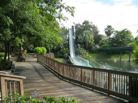 Jardines Busch: No Action On The Flume Due To 'Water Sensor' Problem.