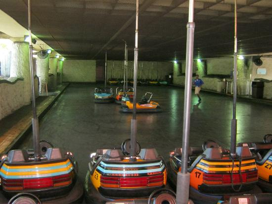 Jardines Busch: No Banga Banga at U-Banga bumper cars. Out of Order.