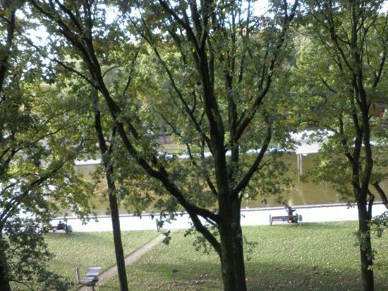 Atlantic Hotel Airport : View from 4th-floor bedroom window