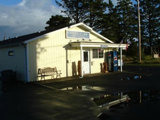 The #1 Coastal Inn and Suites : Coast Inn Office