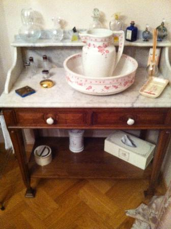 Le Clos de Provins : Beautiful desk