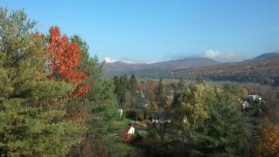 Journey's End Lodge: Fall Colors