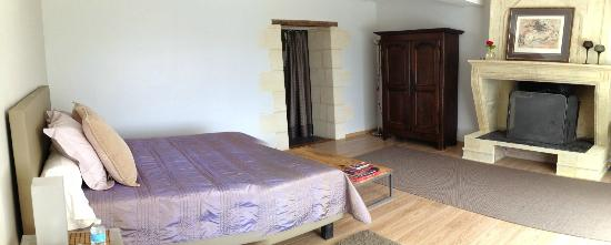 Clos de la Barbanne: Our bedroom
