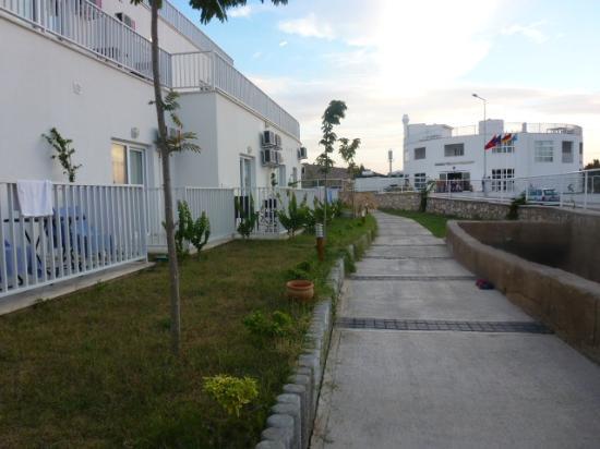 Bodrum Beach Resort: Blick zum Hoteleingang