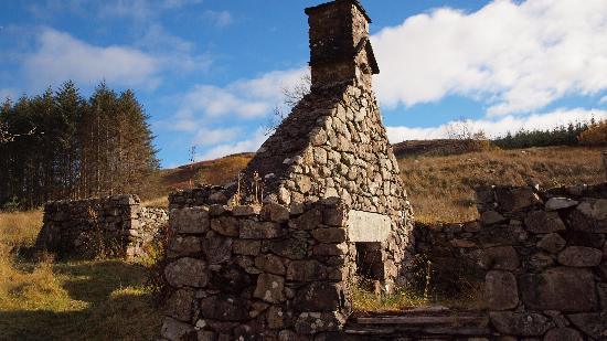 Auchindrain Highland Farm Township: One of the ruins within Auchindrain