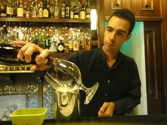 Bela Vista Hotel & Spa: Andre made the most wonderful cocktails - some to his own recipe (extremely talented)