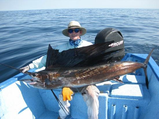 El Tiburon Casitas: Fabulous Loreto Fishing with Mexican Captains