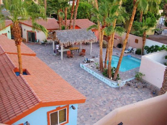 El Tiburon Casitas: 4 Casitas around the sparkling clean Pool and patio. Intimate and open only to guests.