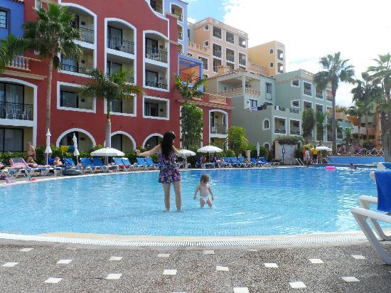 Bahia Principe Costa Adeje: Pool in our hotel