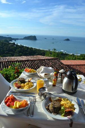 La Mariposa Hotel: Breakfast view...Ah-mazing!
