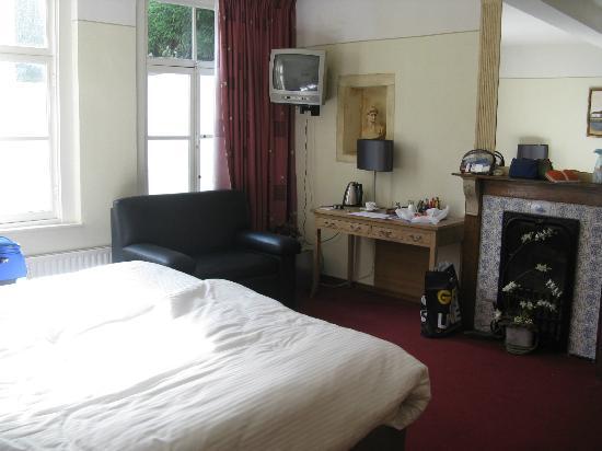 Chambres d'hotes / Cafe La Cloche : Room #3