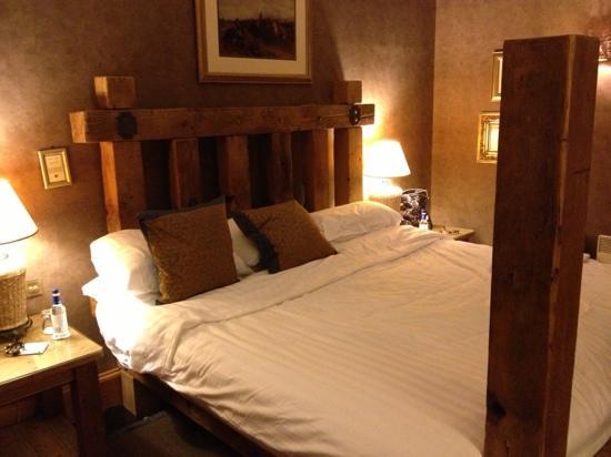 Dalhousie Castle: Cromwell suite.