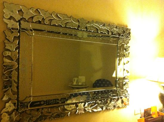 Midas Hotel and Casino: mirror