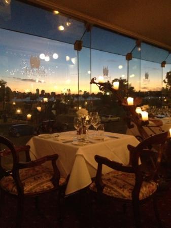 Friends Restaurant: watching the sunset