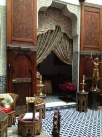 Riad Arabesque: reception area