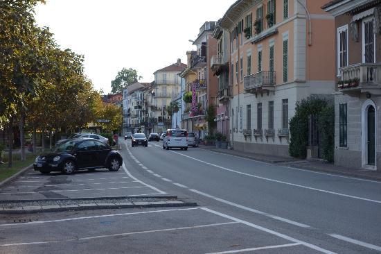Hotel Villa Carlotta: Just down the street to town
