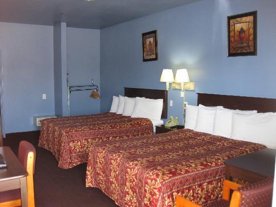 Butterfield Motel : Two Queen bedroom
