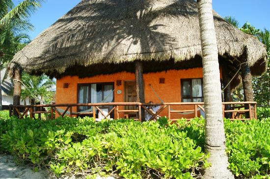 Mahekal Beach Resort: Our cabana