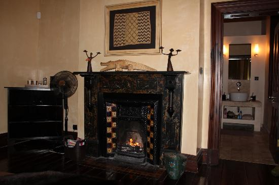 The Colony: bedroom fireplace