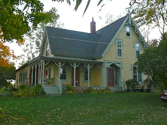 ‪‪Bostwick House Bed & Breakfast‬: Front exterior