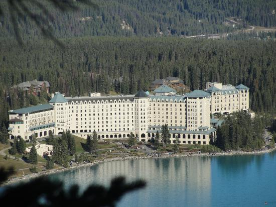 fairmont chateau lake louise from lake - picture of fairmont